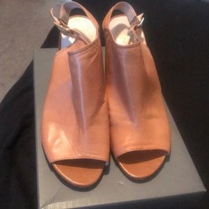 Vince Camuto Leather Shoes